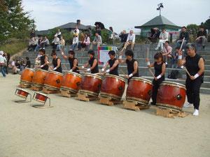 和太鼓サークル「サスケ」の演奏
