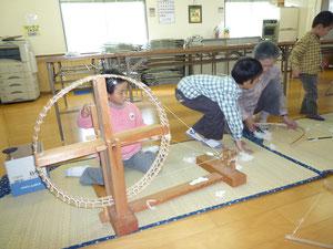 河内木綿の糸紡ぎ