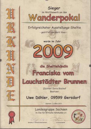 Wir sind sehr stolz auf unsere kleine Zaubermaus, sie hat 2009 den 1.Platz der LG Sachsen in ihrer Rasse erreicht!