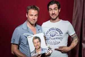 Jonny Fischer und Manu Burkart mit dem druckfrischen Buch