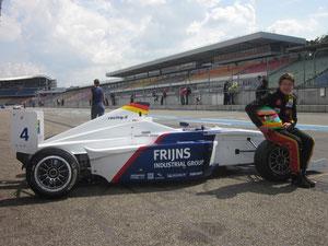 Freddy Killensberger mit seinem Formel BMW