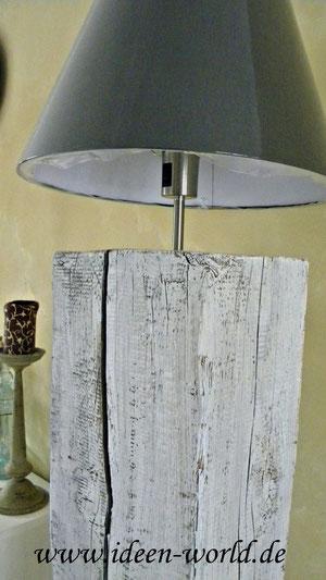 Lampe ein Unikat aus altem Holz
