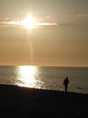 Najlepsze dotlenienie organizmu, to nadmorski spacer brzegiem morza.