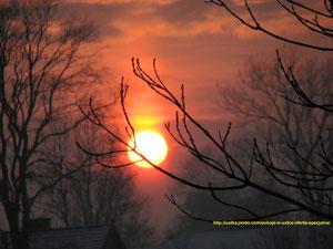 Zachód słońca w Ustce, tym razem w odcieniach czerwieni.
