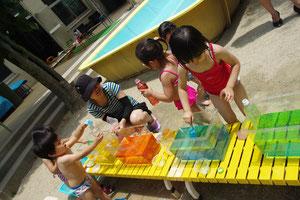 つぼみくらぶ 色水遊び
