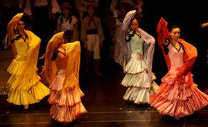 色鮮やかなスパニッシュダンス