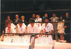 Battle Front 1、表彰式後の入賞者並びに各先生方との集合写真