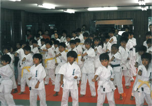 少年部の基本練習風景