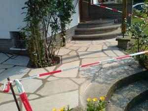 Ruhrsandstein polygonal verlegt