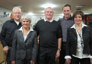 De gauche à droite : Yves et Geneviève Foucher, Daniel Baron, le nouveau retraité, Benoit et Marie-Noëlle Foucher.
