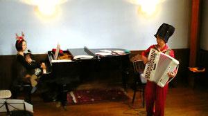 世田谷サロンにてクリスマス 赤ちゃん向けコンサート♪