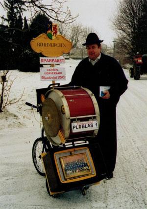 2000 2. Musikerball: Originelle Idee von Willi beim Kartenvorverkauf den Umsatz zu erhöhen