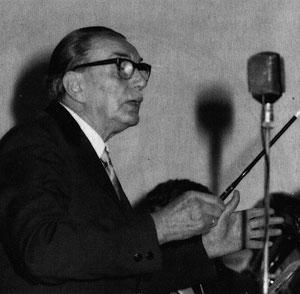 Hans Hofbauer beim Dirigieren