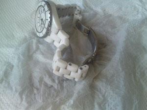 時計とか。