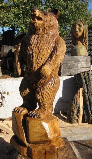 Bär aus Eiche, 125cm hoch