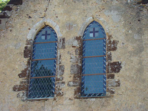 Deux baies du 13ème siècle, côté Ouest.