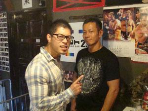 土井成樹選手(左)、吉野正人選手(右)