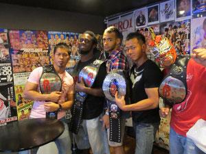 World-1 International(左から、土井成樹選手、リッチスワン選手、リコシェ選手、吉野正人選手、しゃちほこBOY選手)