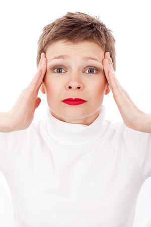 Flüssigkeitsmangel führt zu Kopfschmerzen