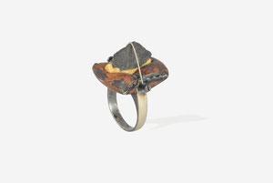 """""""SLATE ROCK"""" 1993 Silver, copper, steel, suede  2,4x2,3x4 cm. 10gr.  size 17  Ø 17,9 mm."""