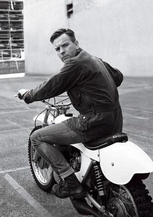 Ewan McGregor en una Ossa