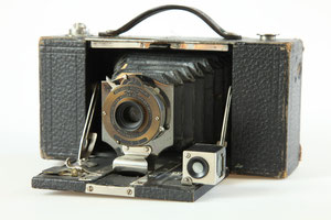 KODAK No. 2 Folding Pocket Brownie Model B  ©  engel-art.ch