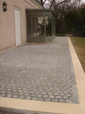 r novation d 39 une terrasse en pav s de granit artisan ma on bordeaux michel chisalita votre. Black Bedroom Furniture Sets. Home Design Ideas