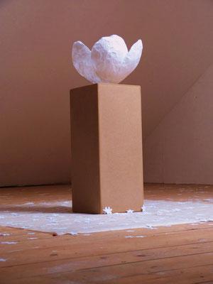 Skulptur Sakura, copyright erdengoldKUNSTwerk, Nathalie Arun, Cornelia Kalkhoff