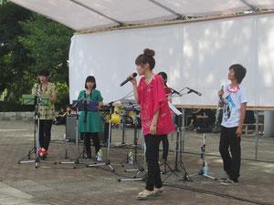 クラリネットが吹ける歌手・YUI