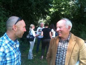 Fred GLO(左)、イヴォン・シュナイダー(右)