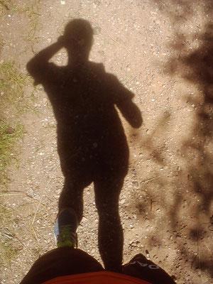 Eigentlich will ich das Geläuf festhalten. Dann sehe ich meinen Schatten und drücke ab ;)