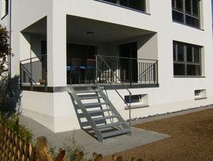 Treppe mit Balkongeländer