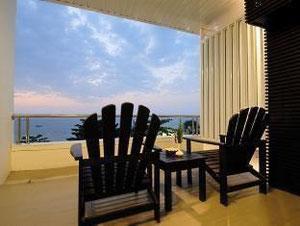 バブーナ ビーチフロント リビング ホテル (Baboona Beachfront Living Hotel)