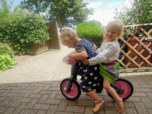 2 auf einem Laufrad