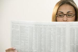 Buchhaltungsservice Frau, Zeitungslektüre
