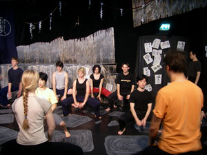 英国の演劇学校と合同ワークショップ