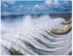 カラジャス鉄鉱山開発のためにインデイオを移住させ、電力供給用にツクルイ・ダムを建設したbyNishioka/1989