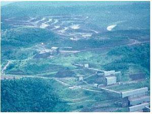 空撮による埋蔵世界一のカラジャス鉄鉱山1989年撮影 西岡/Photo by HUTAN Group