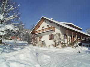 Der Hanauerhof im Winterkleid