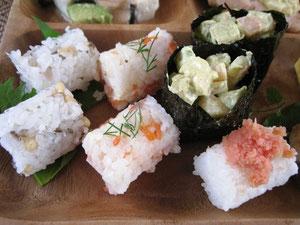 おにぎりセット!梅じゃこ、鮭クリームチーズ、海老アボガトカレー、明太子とゆずの4種♫