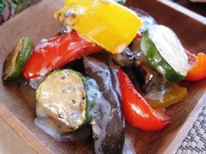 温野菜とゴルゴンゾーラのソースかけ