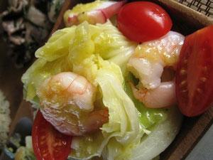 いつも大好評の茹でキャベツと魚貝のさっぱりドレッシングサラダ