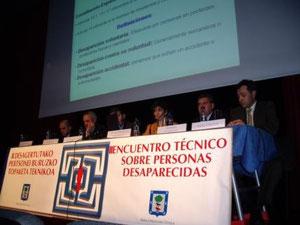 Algunos ponentes y Marisol Ibarrola.