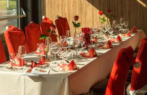 Ihr Weihnachtsessen in der Region Celle. Hier ein dekorierter Weihnachtstisch!