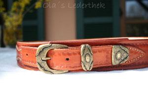 Bild: Ledergürtel punziert im Westernstyle handgemacht mit Gürtelschnalle 3teilig