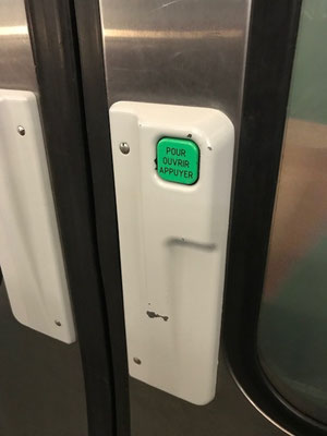 パリ 地下鉄 開閉 ドア 自分で開ける
