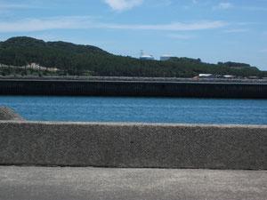 京泊地区から見た川内原発