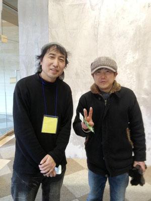 TADASUKEさん(左)と、くわナよしゆきさんのツーショット