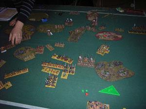 meine Landsknechte im Gebüsch - und die Kavallerie auf dem Weg, weg von feindlichen Beschuss