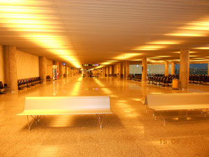 Der Flughafen von Palma de Mallorca morgens um 7